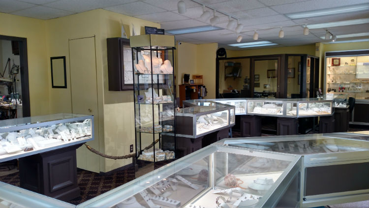 About Delta Diamond Setters & Jewelers